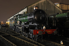 5080 Defiant - Tyseley (Andrew Edkins) Tags: 5080 defiant greatwestern gwr steamtrain tyseley birmingham england uksteam 30742charter shed geotagged light night castleclass april 2018 spring