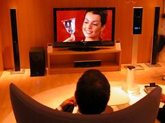 Ifa zeigt flaches Fernsehen by kotofoto