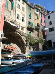 Riomaggiore - The city - 1 (Franco Caruzzo) Tags: sea italy beach liguria ligury cinqueterre robinhood riomaggiore laspezia 5terre francocaruzzo caruzzofranco robinh00d