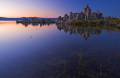 Mono Lake Sunset (jauderho) Tags: california usa 20d topc25 topv111 canon geotagged topv555 topv333 bestof topc50 2006 monolake 1022mm jauderho cotcpersonalfavorite i500 utatafeature abigfave roadtripaugust2006 monolakestatepreserve geo:lat=37941964 geo:lon=119028368