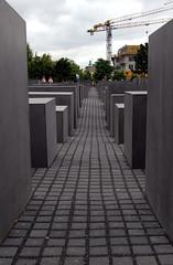Holocaust Denkmal (Sciamano) Tags: berlin d50 germany deutschland holocaust nikon memorial nazi nikond50 alemania jews allemagne murdered germania denkmal berlino nazisti ebrei olocausto nazismo memoriale