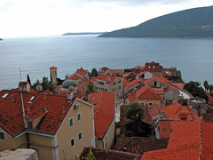 Roofs of Herceg Novi (cover2) Tags: city sea summer europa europe university 2006 balkans boattrip montenegro adria adriaticsea balkan bokakotorska crnagora hercegnovi bayofkotor summeruniversity southeasterneurope isusoutheasterneurope2006