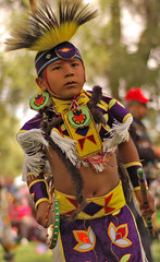Young Round Bustle Dancer (Emerging Images) Tags: wallawalla umatilla cayuse pendletonroundup confederatedtribes mensroundbustledancecompetitionfinals