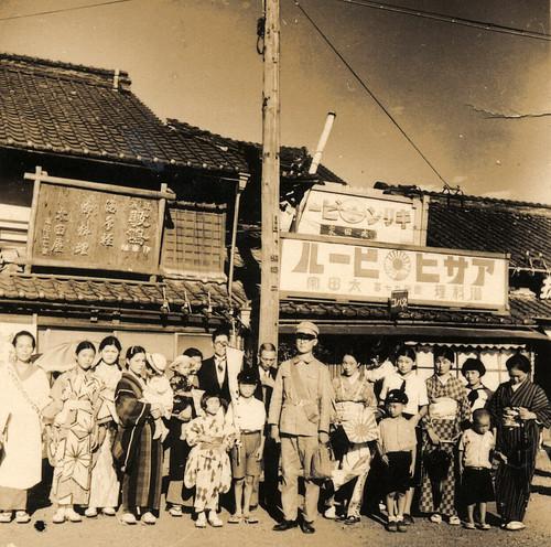 フリー画像| 戦争写真| 兵士/ソルジャー| 日本軍兵士| 日本人| 親子/家族| モノクロ写真| 太平洋戦争|    フリー素材|