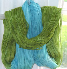 Hand dyed wool green-blue - by sumptinelse
