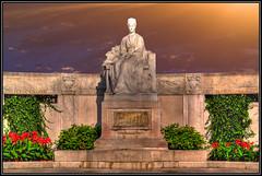 Kaiserin Elisabeth (Matthias Hilf) Tags: vienna wien sky art statue photography austria sterreich memorial europe minolta imperial empress dynax elisabeth hofburg sissi