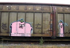 (Monsieur de la rue) Tags: streetart art love graffiti subculture