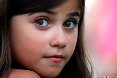 Pinky LooK (Ammar Alothman) Tags: life pink portrait people baby cute eye love girl beautiful face look kids canon kid eyes flickr pretty gulf sweet gorgeous adorable 2006 linda kuwait kuwaitcity kw q8 30d theface  canon30d  3mmar  kuwaitvoluntaryworkcenter