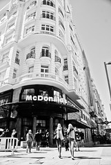 McDonalds (Hansis y Greta) Tags: madrid españa spain europa europe street calle sonydsc mcdonalds
