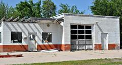 SHUT (pam's pics-) Tags: ne nebraska us usa america midwest pamspics smalltown nikond5000 danburynebraska gasstation servicestation outofbusiness empty closed shut garage