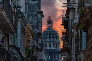 El Capitolio in scaffolds