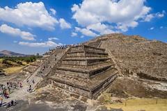 Pirámide de la Luna (grzegorzmielczarek) Tags: cdmx ciudaddemexico mexico mexicocity toetihuacan estadodeméxico mexiko mx