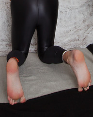 homeoutfit06 (bald_2000) Tags: spandex lycra leggings leggins meggings shiny wetlook feet male soles anklet toering toes