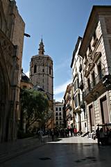 Calle del Miguelete - València (Kiko Colomer) Tags: calle carrer miguelete micalet catedral torre campanario valencia valence centro ciudad francisco jose colomer pache kiko seu