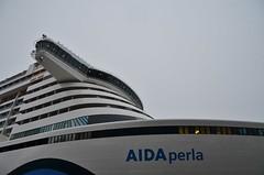 AIDA perla (Hugo Sluimer) Tags: aidaperla aidacruises cruiseship cruise cruises cruiseterminalrotterdam cruiser cruiseterminal onzehaven haven portofrotterdam port zuidholland nlrtm rotterdam nederland holland