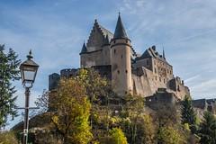 Château (*SanM.*) Tags: châteaudevianden château médieval laterne lantern mittelalter vianden ardennesluxembourgoises luxemburg naturparkour