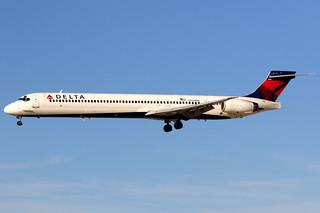 Delta Air Lines | McDonnell Douglas MD-90 | N940DN | Las Vegas McCarran