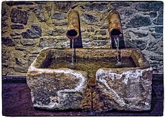 DRINKING TROUGH   -  ABREVADERO (Miquel Fabré) Tags: miquelfabre canoves vallesoriental cataluña catalonia spain españa europa europ eu color inside interior abrevadero drinkingtrough antiguo old piedra stone hotel turismo turism canon canoneos6d agua water ngc edificiodepiedra stonebuilding montseny mountain monte