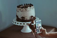 Pri's 25th Birthday (TheJennire) Tags: photography fotografia foto photo canon camera camara colours colores cores light luz young tumblr indie teen cake comida food oreo 2018 50mm happybirthday party phone sweet dessert