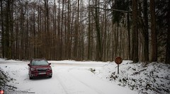 at the snowed road (Oneras) Tags: euskadi snow nieve basquecountry subaruforester forester subaru car vehicle awd