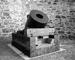 SWI091 - Harvey's of Hayle 1856 Crimean War Siege Mortar - Hayle - Cornwall - 1995 (www.jhluxton.com - John H. Luxton Photography) Tags: hayle cornwall cornish engineering military militaryarchaeology crimeawar mortar harvey harveycompany johnharvey johnharveycompany harveysofhayle industrialhistory industrialarchaeology industrialheritage harveysfoundry militaryhistory haylefoundry cornishminingworldheritagesite worldheritagesite wwwjhluxtoncom johnhluxtonphotography 1995 monochrome blackandwhite artillery siegemortar penwith penwithdistrict cornishengineering