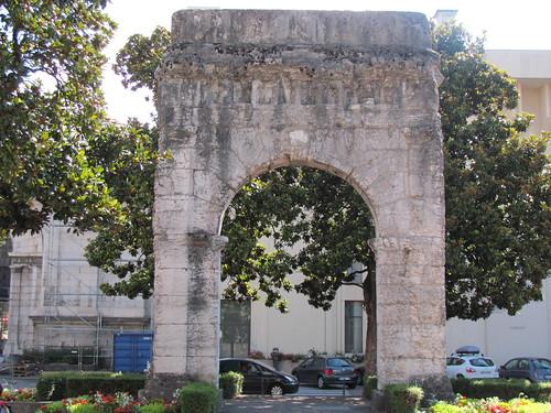 Aix-les-Bains-Arc de Campanus (2)