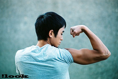 quy (here incognito) Tags: people male model bicep flex asian