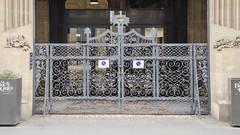 Le portail des Kleine Metzig (Zéphyrios) Tags: strasbourg alsace grandest nikon d7000 door porte ferforgé xix gustaveoberthur picturalisme ferronnerie néorenaissance gargouilles