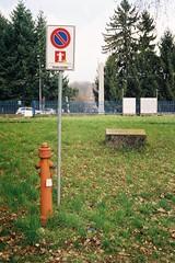 Vietato sostare... (sirio174 (anche su Lomography)) Tags: divieto sosta divietodisosta panca panchina bench como italia italy