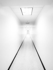 the way (Nicholas Eckhart) Tags: america us usa 2018 marion indiana in retail stores fivepoints mall hallway interior