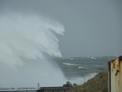 Waves breaking over South Breakwater & Lighthouse at entrance to Aberdeen Harbour near Torry Battery (iainh124a) Tags: iainh124a scotland aberdeen uk sony sonycybershot dschx90 dschs90v cybershot dx90 dx90v northsea storn waves breaking breakwater quay