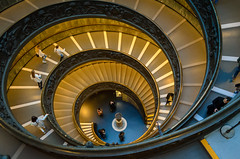 Treppenhaus (Markus Wollny) Tags: city vatikan rom roma lazio italien it