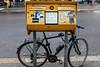 Briefkasten mit Fahrrad in Pankow, 23.3.2018 (der_alltag) Tags: briefkasten typisch berlin pankow fahrrad schloss angeschlossen ärgerlich beklebt getagt