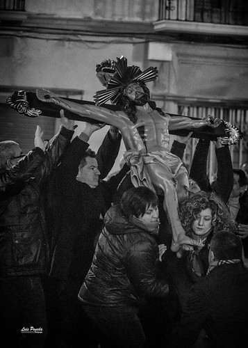 """(2018-03-23) - IX Vía Crucis nocturno - Luis Poveda Galiano (03) • <a style=""""font-size:0.8em;"""" href=""""http://www.flickr.com/photos/139250327@N06/40337742794/"""" target=""""_blank"""">View on Flickr</a>"""