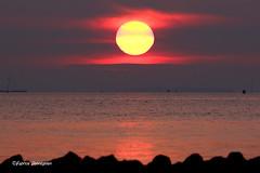Sunrise @ Port Zélande (Fabke.be) Tags: sunrise zonsopgang centerparcs portzelande zeeland netherland canon nature beautiful sun sunny sunset fabrice henneghien explore inexplore life popular flickr fabke people canon7d photography belgian view