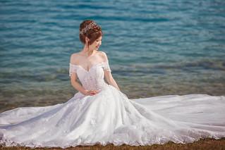 | Bride |
