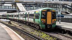 377207 (JOHN BRACE) Tags: 2002 bombardier derby built electrostar 377207 southern livery east croydon station