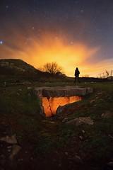 OTIÑAR MILENARIO (Der_Golem_) Tags: historia patrimonio ledlenser luzfria luzcalida cerroveleta solitario ruinas lightpainting linterna dolmen nubes nocturna otiñar jaen 2018 ojodepez