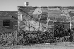 Robot Wall (btusdin) Tags: 7daysofshooting week35 streetartgraffitir blackandwhitewednesday