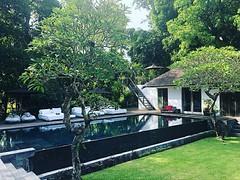 Three elegant bedrooms and the friendliest of staff, including a driver and complimentary car, Villa Levi is a truly idyllic destination for groups, families and those celebrating intimate weddings.Within an easy stroll of Bali's famous Echo Beach, Villa (geriabali) Tags: villalife trip tripadvisor vacation river indo tbt balibible instagram villa luxuryworldtraveller geriabali echobeach beautifuldestinations canggu weddingvilla surfing wedding twitter google balidaily villas luxury bali holiday cangguvibes facebook luxwt travel