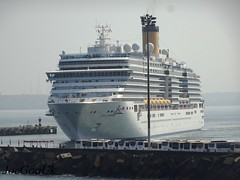 COSTA Luminosa (joegoauk73) Tags: joegoauk goa ship harbour vasco dockyard boat passenger mpt marmagao marmagoa