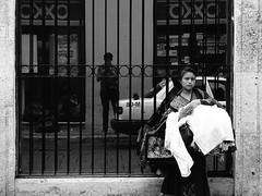 Memoria de Marzo (Isaac Palacio) Tags: new bnw street photography blancoynegro noiretblanc pretoebranco zwartwit biancoenero blackandwhite streetphoto world miligramo yucatan outside 2018 people flickr national mexico latinamerica bw classic merida white city fractal mg