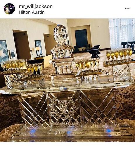 Love this picture @mr_willjackson got of our #champagne #icebar last night @hiltonaustintx celebrating their #hoteloftheyear and #leaderoftheyear #connieawards #fullspectrumice #custom #icesculpture #thinkoutsidetheblocks #brrriliant - Full Spectrum Ice S