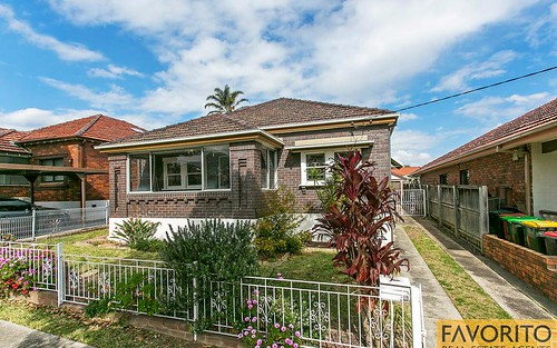 15 Clemton Av, Earlwood NSW 2206