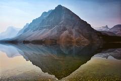 Transparencias y reflejos (Miradortigre) Tags: alberta canada reflejos reflections transparencias transparency mountains