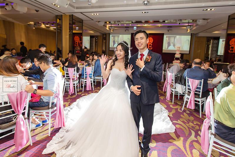 [婚攝] 彥偉 & 郁芬 高雄夢時代頤品大飯店 | 迎娶午宴| 婚禮紀錄