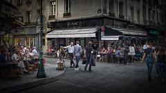 181821 (cabrimoleric) Tags: bistro paris smartphonephoto streetphotography photography photographer artistiquephoto creativecolors cityscape pov galaxynote8 restaurant rue