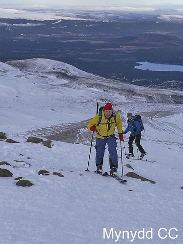 Rob P and Mark W approaching the top of Fiacaill a' Choire Cas_Photo Mark P