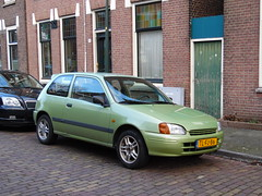 Toyota Starlet 1.3 (19 05 1998) (brizeehenri) Tags: toyota starlet 1998 tlfj86 vlaardingen