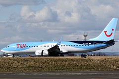 G-FDZE TUI BOEING 737 NEWCASTLE AIRPORT (toowoomba surfer) Tags: jet airliner aviation aircraft airline aeroplane ncl